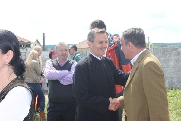 stolnici MA cu preotul paroh